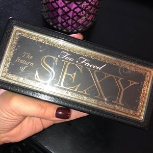 Too Faced Return of Sexy palette